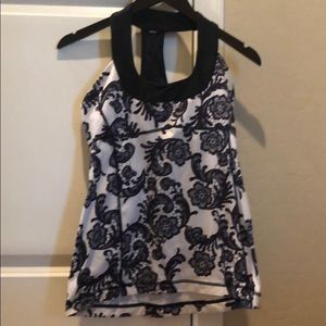 Lululemon scoop neck tank! Size 8!
